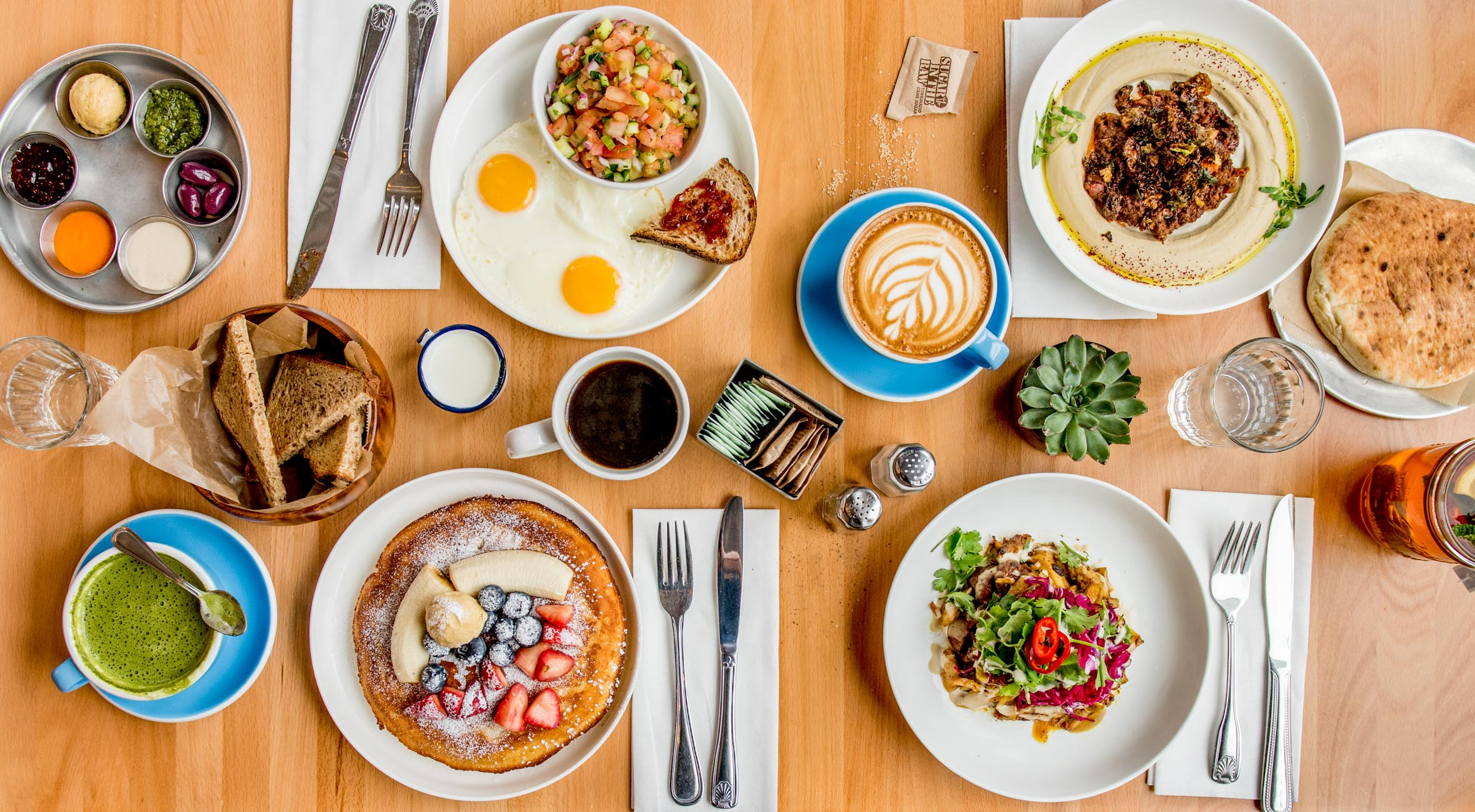 Brunch and Drinks for 2 persons at Top-Rated Reunion in Williamsburg