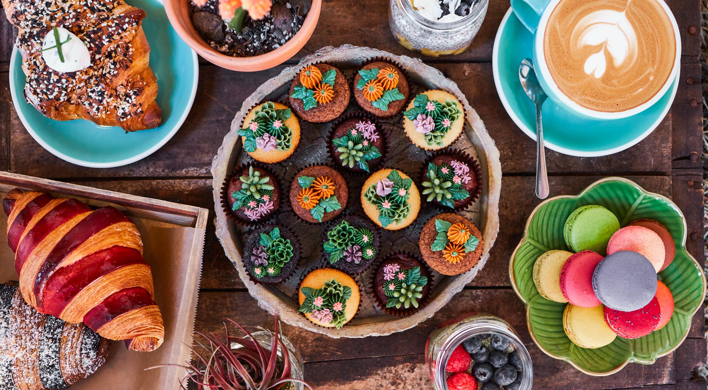 Pick Whatever You Like at Urban Backyard in Nolita – From Specialty Coffee & Tea to Chia Pudding, Cakes and Pastries etc.